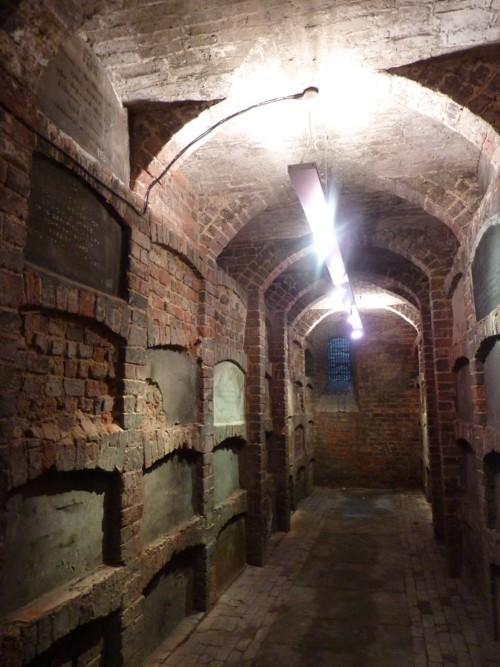 st-anthonys-crypt.JPG