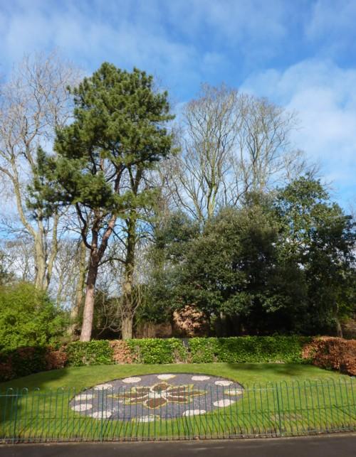 04-hesketh-park-floral-clock.jpg