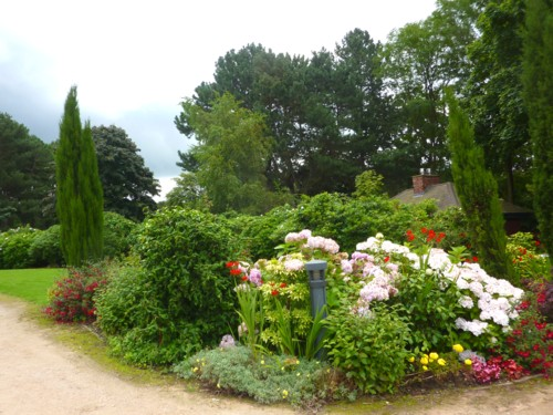 22-sefton-park-flowers-and-cottage.jpg