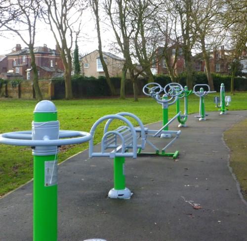 03-newsham-park-exercise.jpg