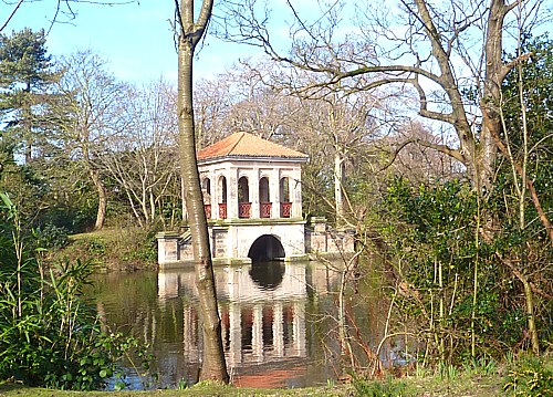 09-birk-park-boathouse.jpg