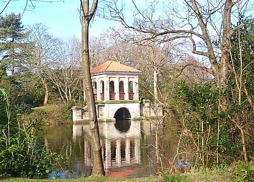 09-birk-park-boathouse.jpg