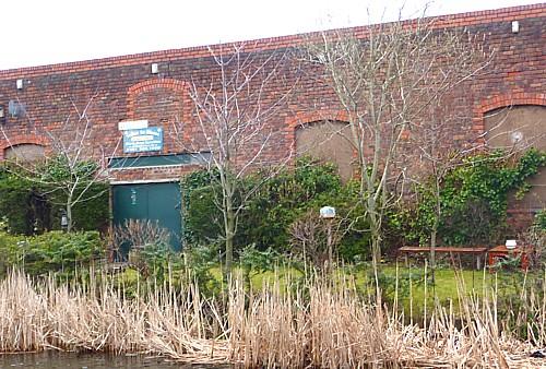 10-canal-1-garden.jpg