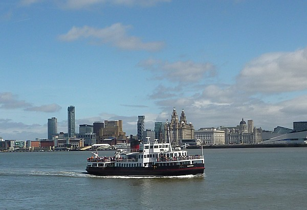 18 Birkenhead view with ferry