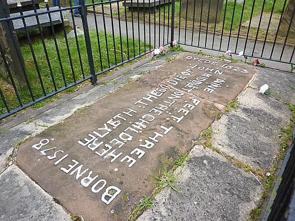 19 Hale grave