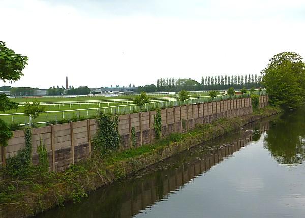 20 Canal 3 racecourse