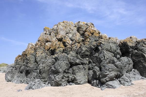 MNA Llanddwyn Pillow Lava1