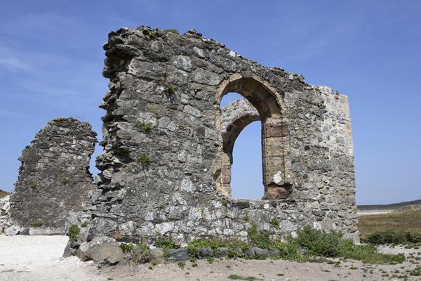 MNA Llanddwyn Ruins1