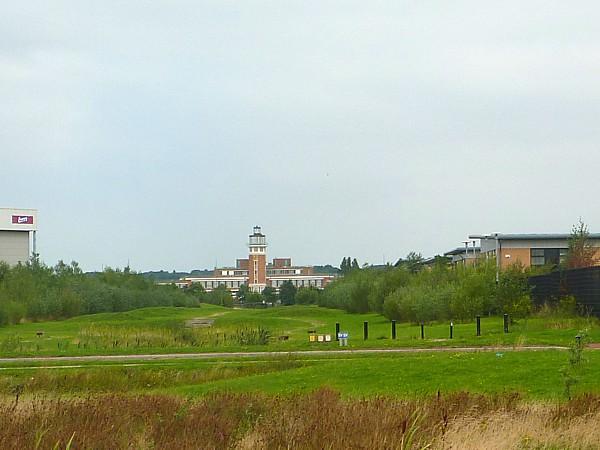 31 Speke airport vista