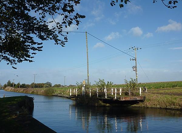 37 Canal 6 Derelict swing bridge