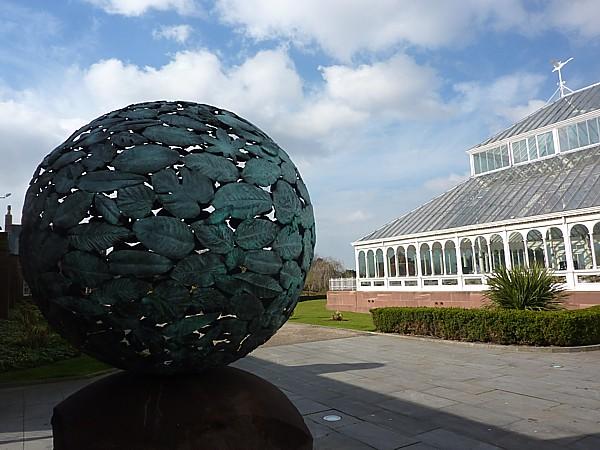 14 Stanley leaf globe