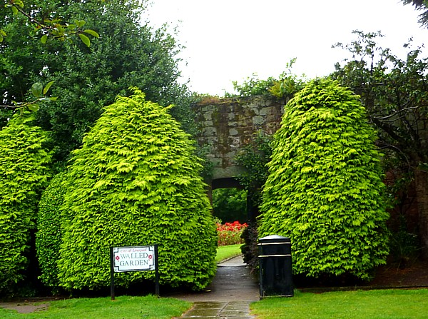 33 Reynolds walled garden entrance
