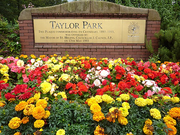 36 Taylor sign and flowers