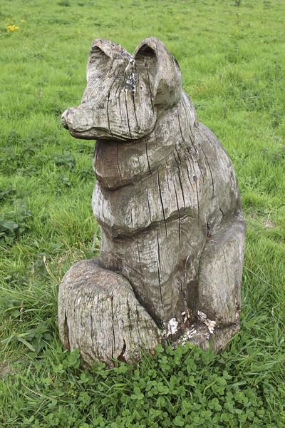 MNA Wigg Island Fox Carving1