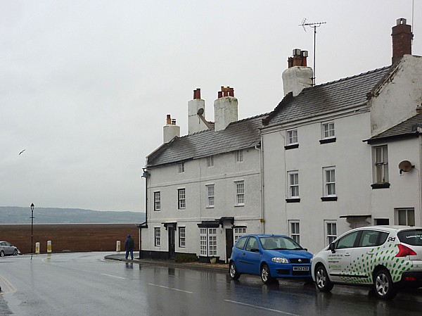 06 Parkgate  houses and marsh