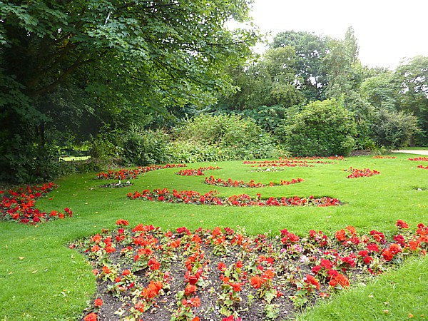 33 Botanic red beds