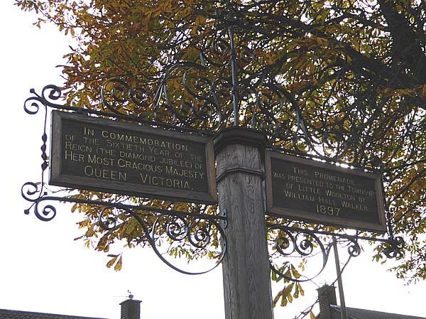 41 TPT11 Promenade sign