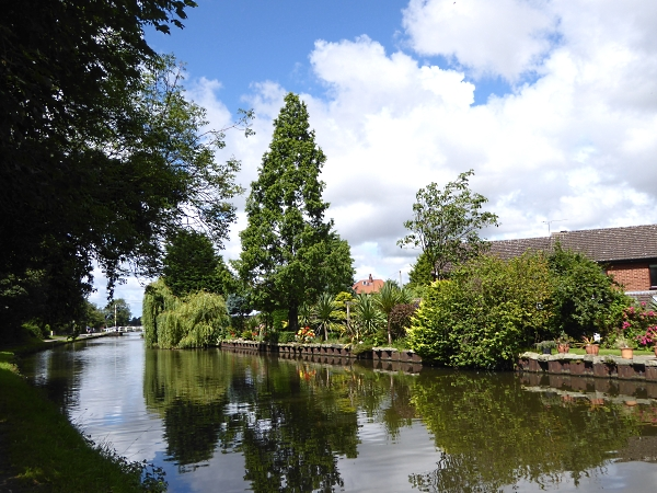 28 Maghull canal view